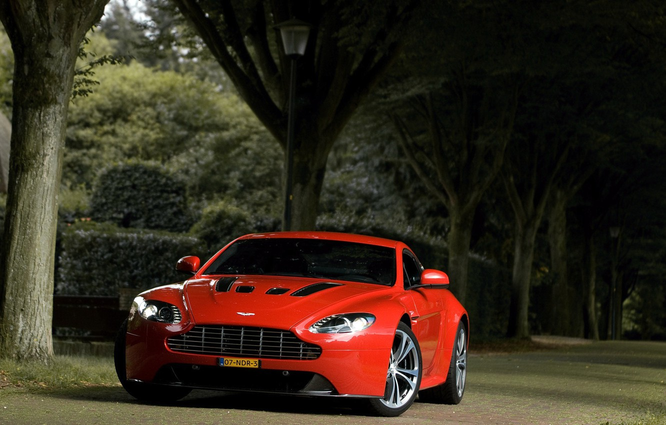 Photo wallpaper red, aston martin, vantage, v12
