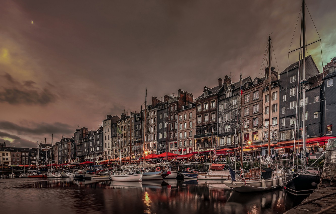 Photo wallpaper night, lights, France, home, boats, Normandy, the old harbour, Honfleur