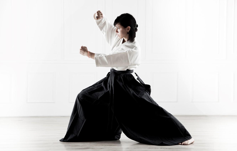Photo wallpaper sport, woman, kimono, beautiful, athlete, bokeh, martial art, wallpaper., gray background, Aikido, hakama, Aikido, Svetlana …