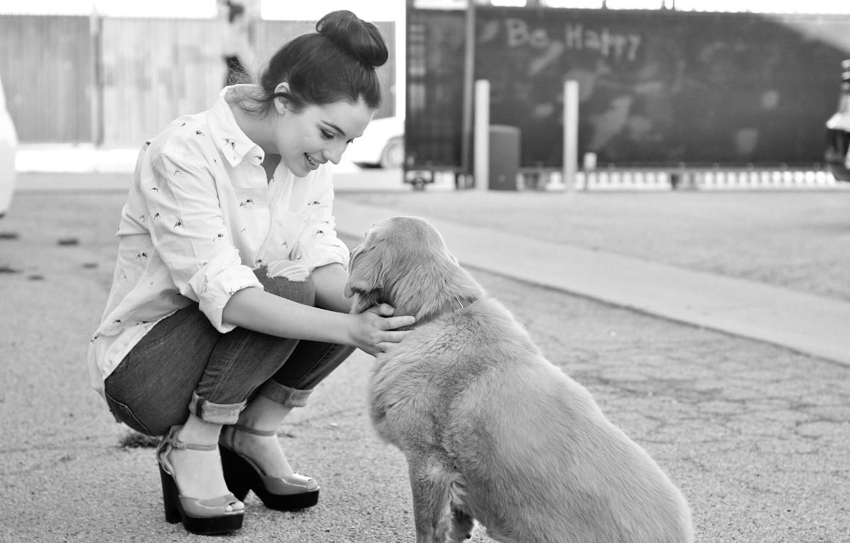 Photo wallpaper girl, joy, smile, kindness, the game, dog, girl, game, happy, smile, dog, black and white, …