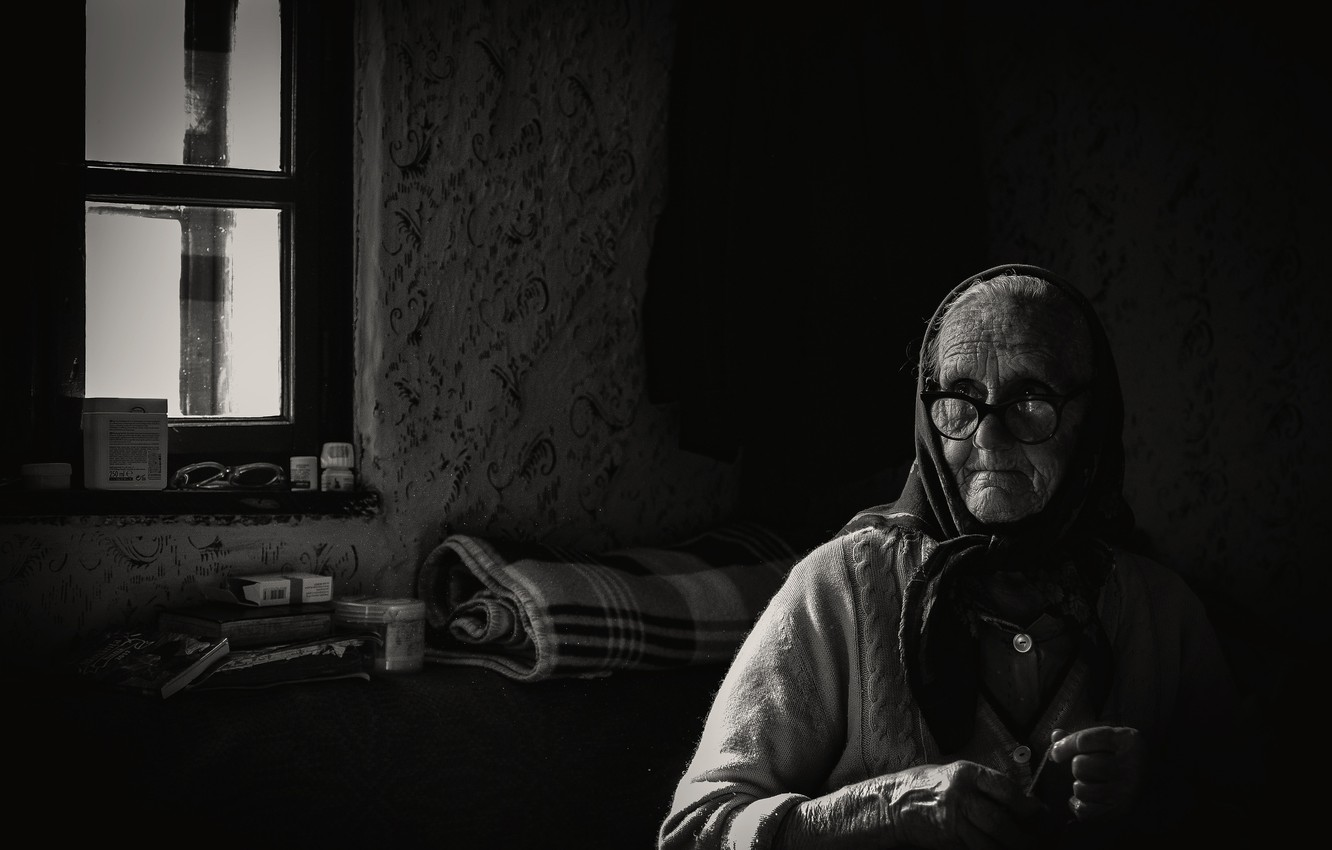 Photo wallpaper old age, grandma, b/W, The seamstress, in his later years