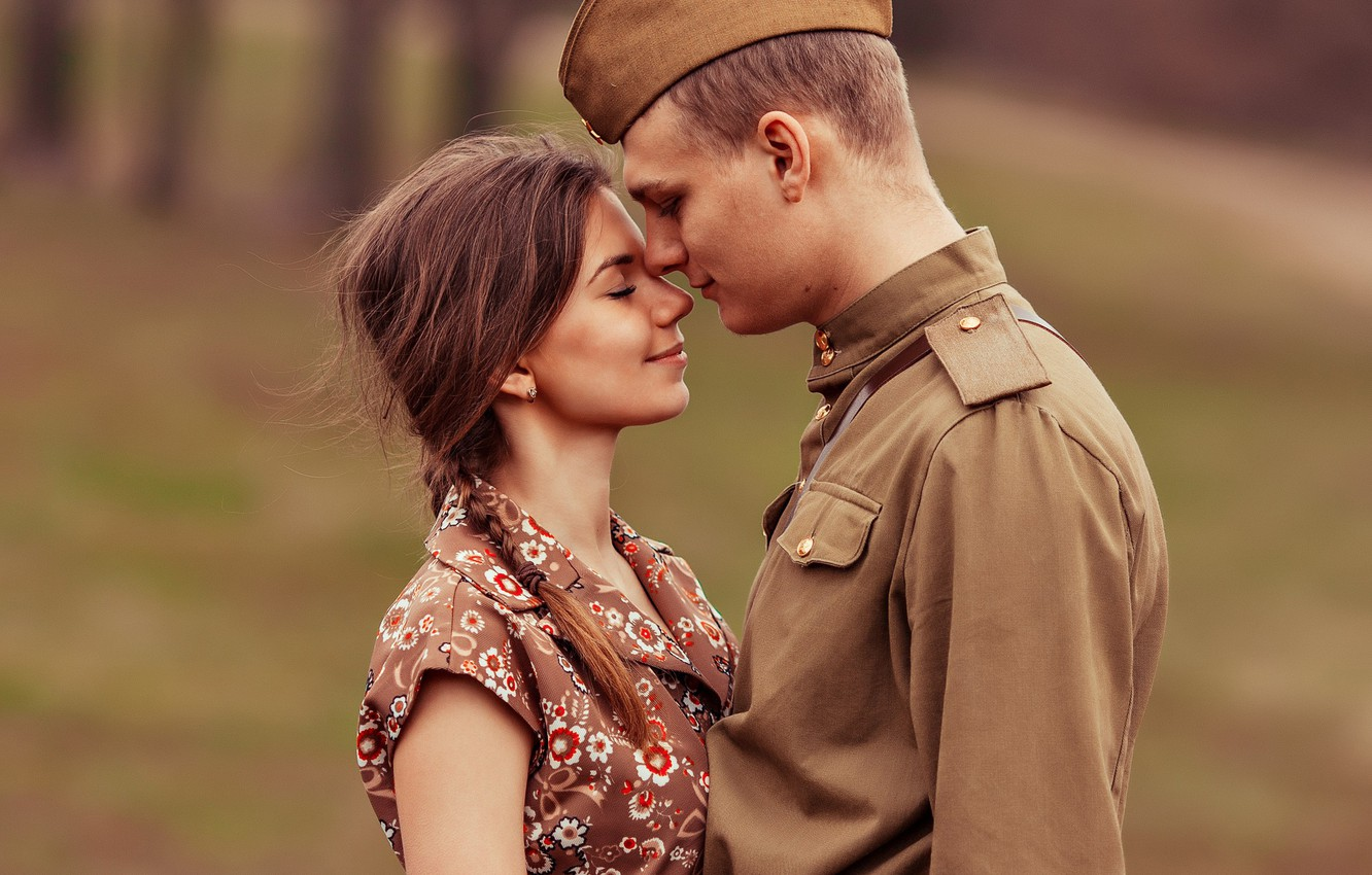 Photo wallpaper girl, retro, meeting, soldiers, guy, May 9, pussy, lovers, Victory Day, tunic