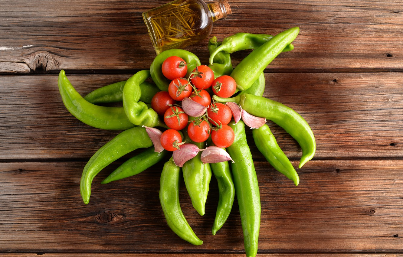 Photo wallpaper Board, pepper, vegetables, wet, tomatoes, the view from the top, garlic, bottle
