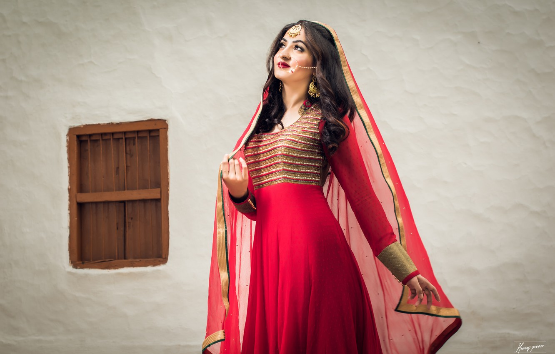 Wallpaper Red, Model, Smile, Eyes, Golden, Princess, Colors