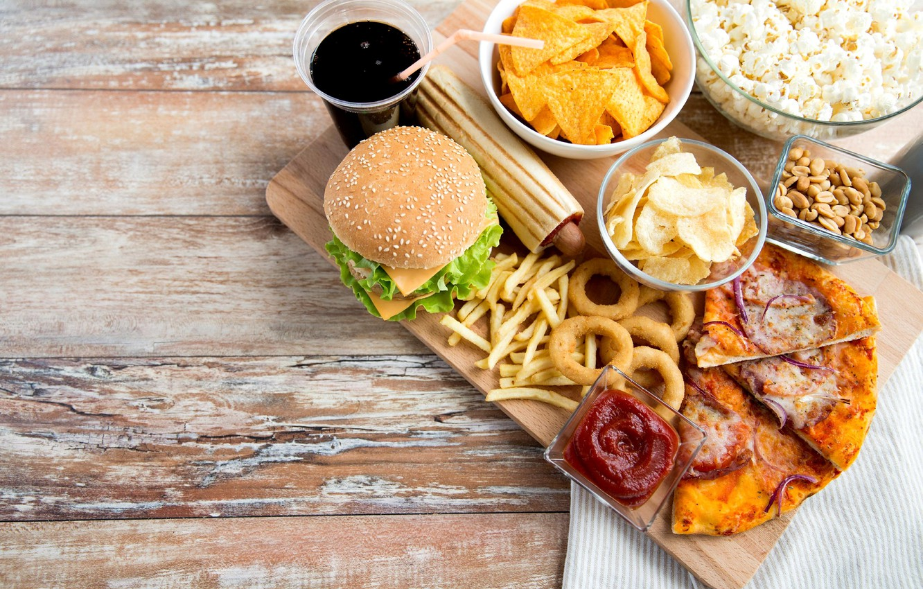 Photo wallpaper pizza, ketchup, chips, French fries, Burger, fast food, onion rings