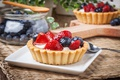 Picture strawberry, tart, sweet, delicious, berries, berries, blueberries, sweet, basket, dessert, dessert, cream, tartlet