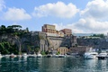 Picture sea, the sky, clouds, trees, landscape, rocks, coast, home, yachts, Italy, boats, Sunny, piers, Sorrento
