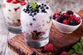 Picture dessert, yogurt, cereal, berries