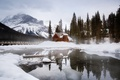 Picture forest, winter, mountains, snow, house, lake, Emerald